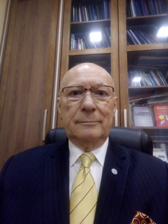 Prof. zw. dr hab. Marian Noga